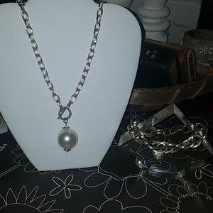 Jewelry - Silver chain/pearl necklace & bracelet set